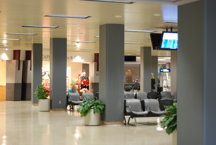 Des Moines Airport is located 5 km from Des Moines city centre.